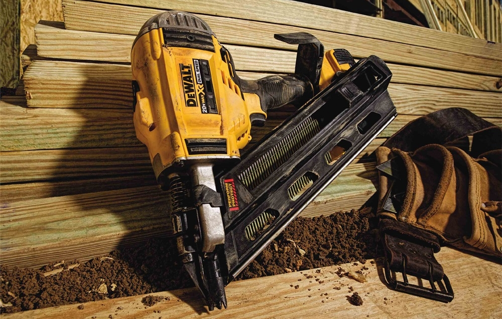Dewalt DCN692M1 Framing Nailer